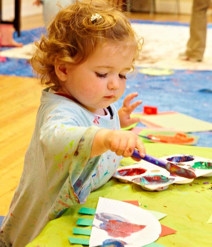 Child painting class