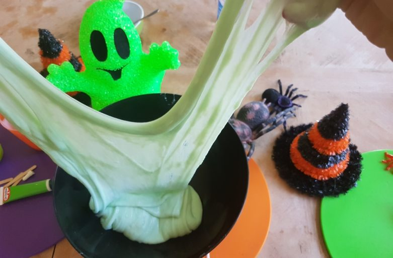 Easy Halloween Slime Recipe!